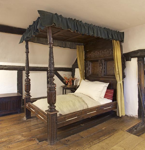 Hathaway Bed